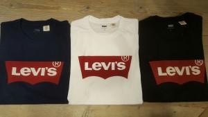 levis-logo-shirt